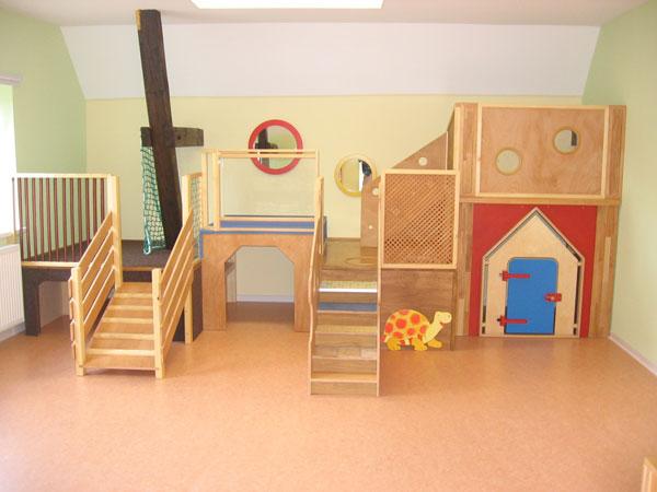 kindergarten und kita m bel einrichtung spielebenen und. Black Bedroom Furniture Sets. Home Design Ideas